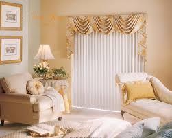 rèm và tường tone kem phổ biến