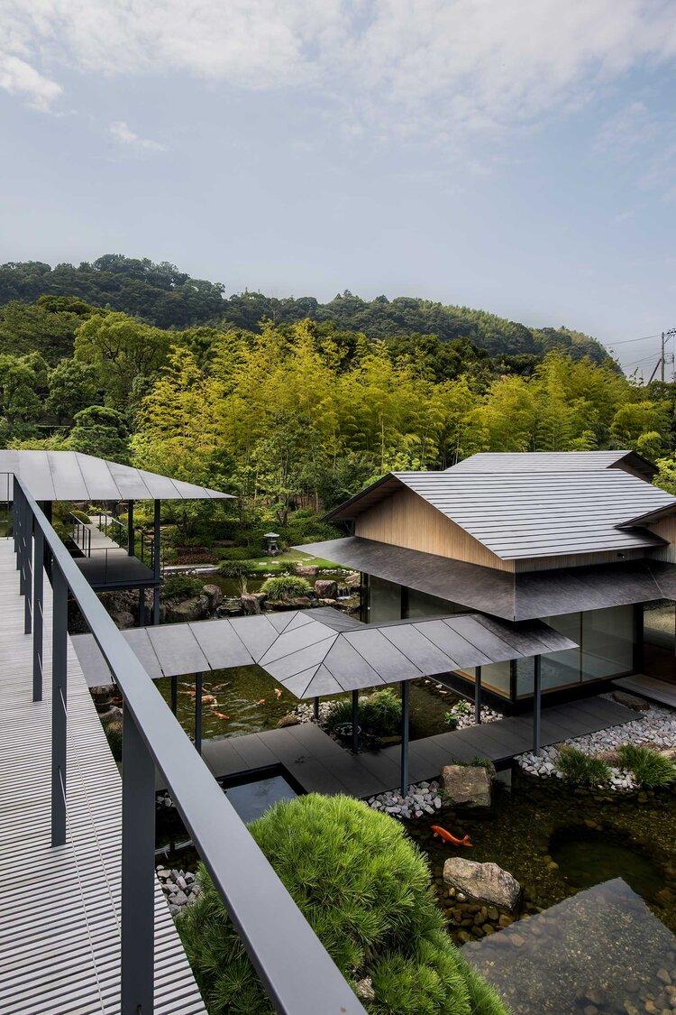Biệt thự mái Nhật rộng rãi