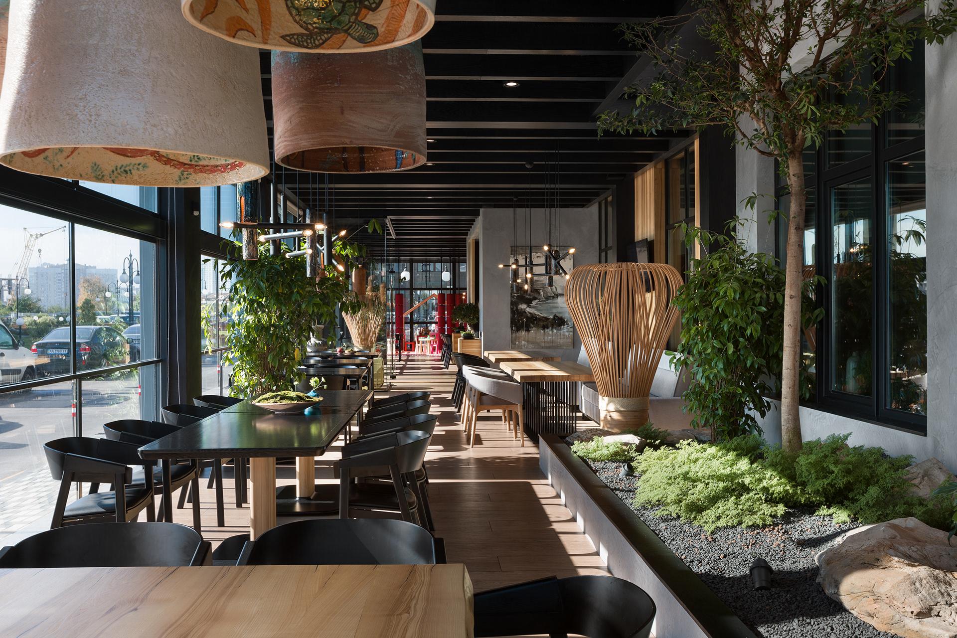 Mẫu trang trí nhà hàng Nhật độc đáo với đèn lồng