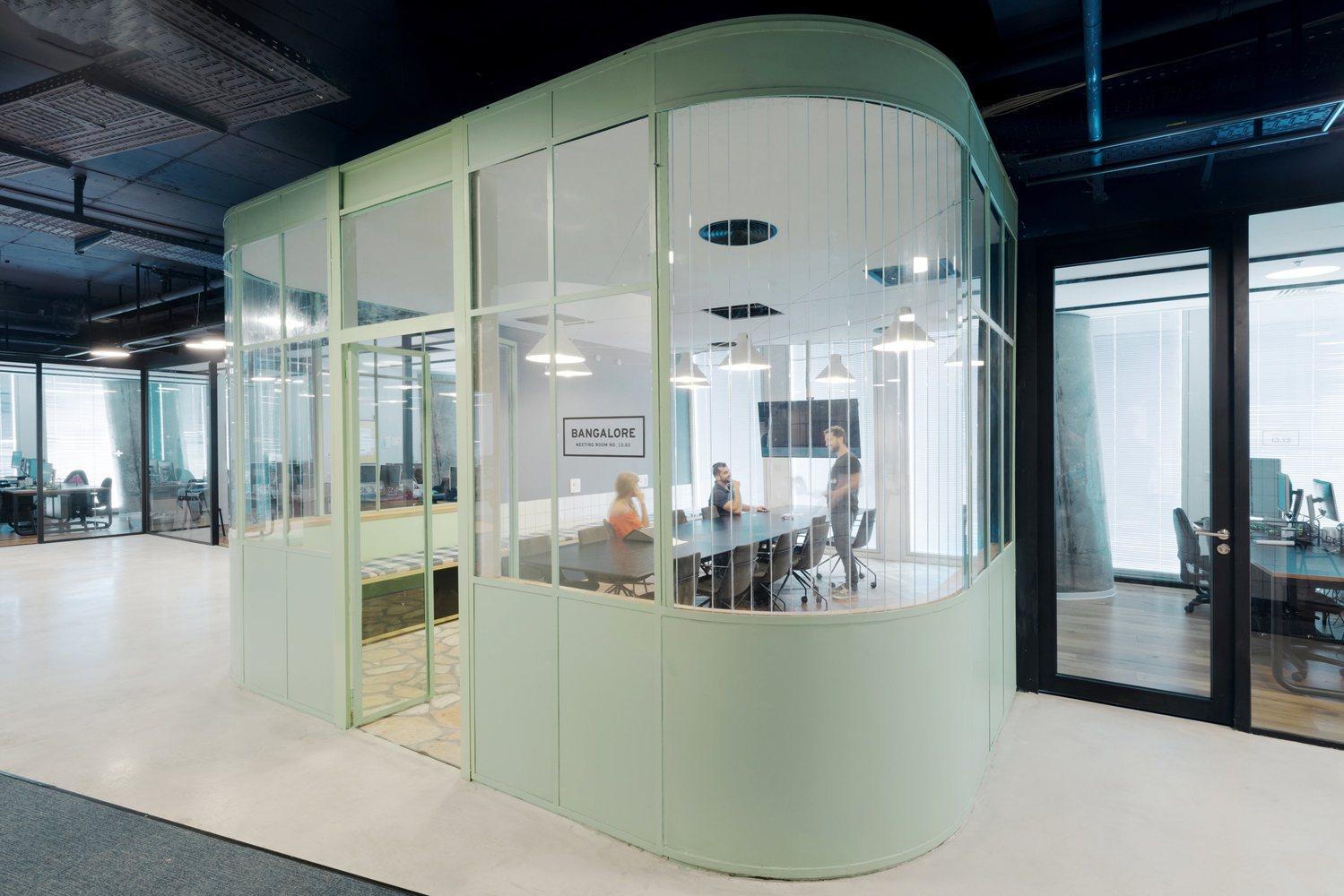 Văn phòng phong cách đương đại 5